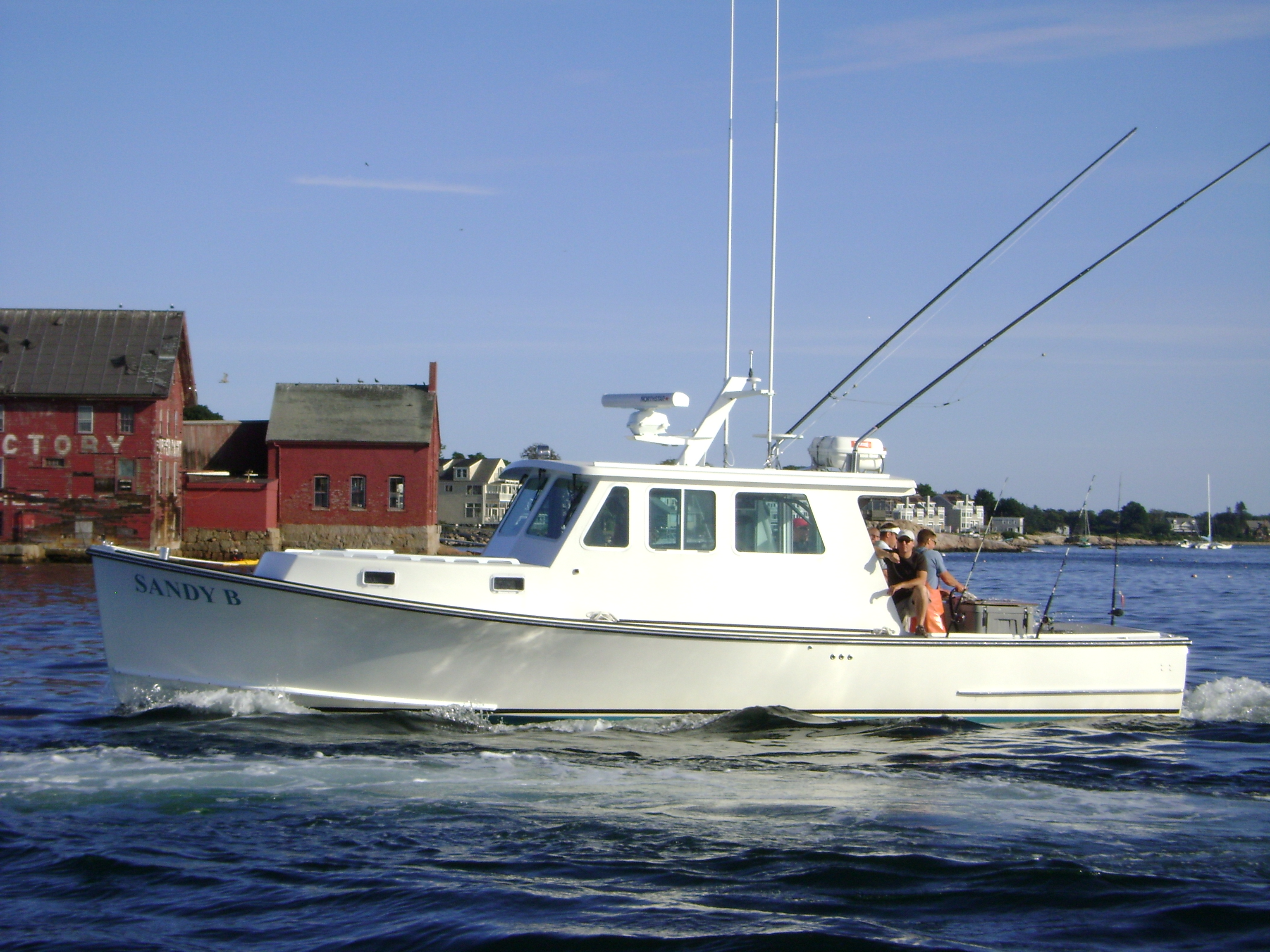 Tuna cod striped bass fishing charters gloucester ma for Tuna fishing boats
